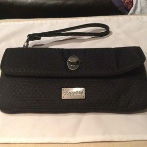 Handbags - NWT baggallini Wristlet/ clutch